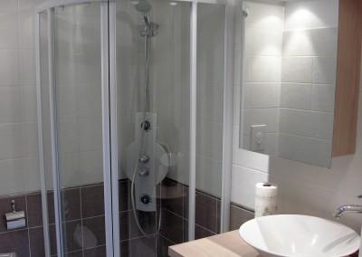 Installation d'une salle de bains avec douche